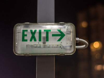 Exit_Sign_On_Street.png